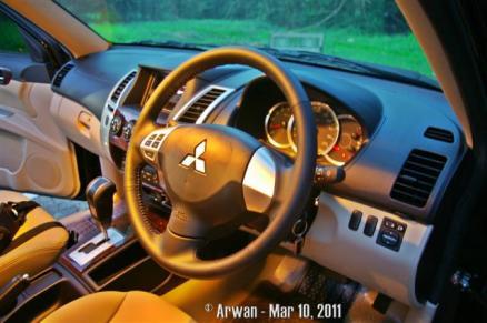 110310 - IMGP4848 - steering wheel (Small)