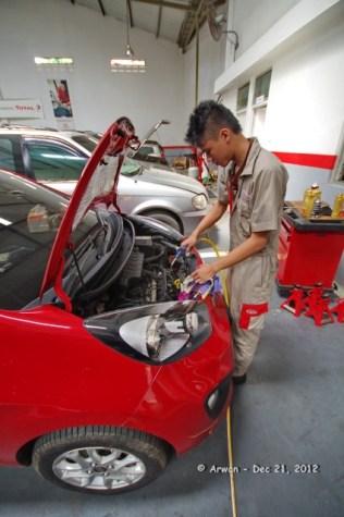 121221 - anp merah pedas servis 10000 km di kmi bintaro - 21 desember 2012 - IMGP5462 (Custom)