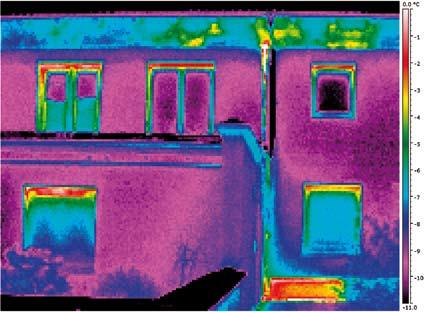 Immagine realizzata con una risoluzione di 200x150 pixel e una sensibilità termica < 70 mK.
