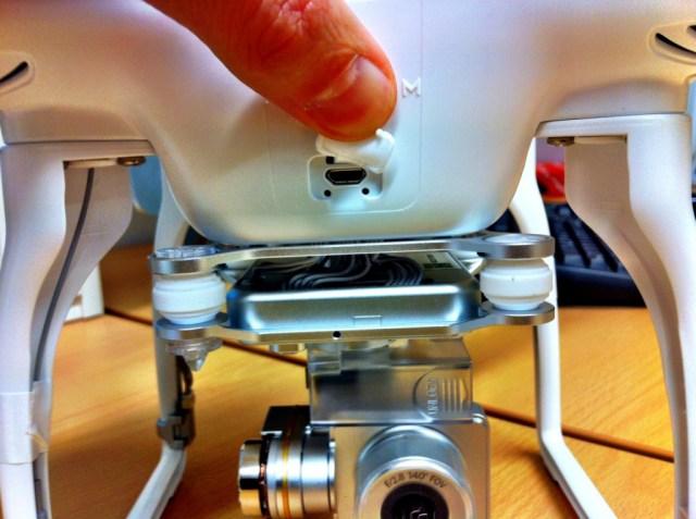 Collegare il Drone con il cavo usb in dotazione