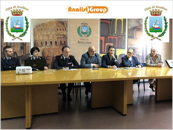 CONFERENZA-STAMPA-COMUNE-AVELLINO