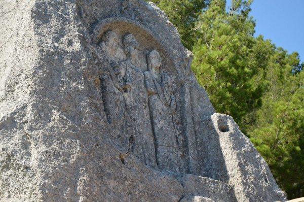 Les Trémaïé, bas-relief carved out from rock-cut hill depicting hows three Roman characters, it may represent Caius Marius and his wife Julia © Carole Raddato