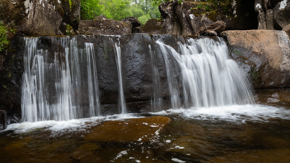 a photograph of the main fall at Bracklinn Falls