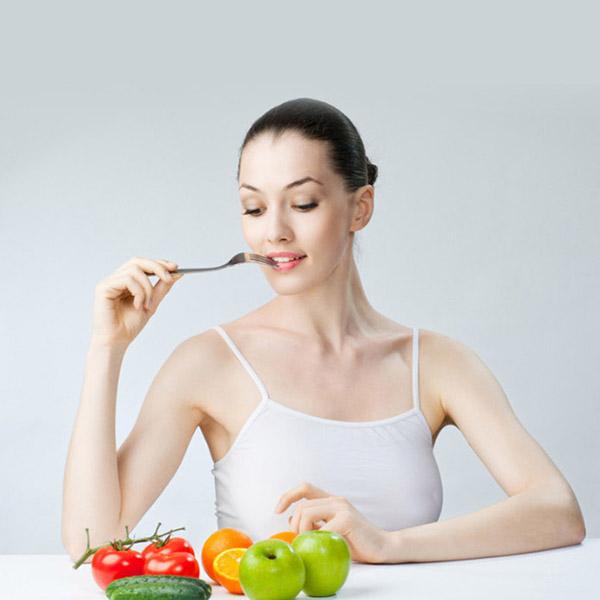 eating-fruits