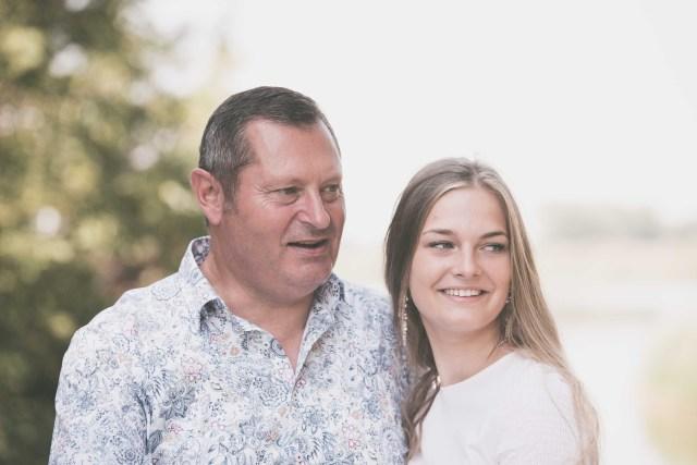 familiefotograaf familiefoto spontane gezinsfoto retrofotografie ieper poelkapelle west-vlaanderen ann-elise lietaert -15