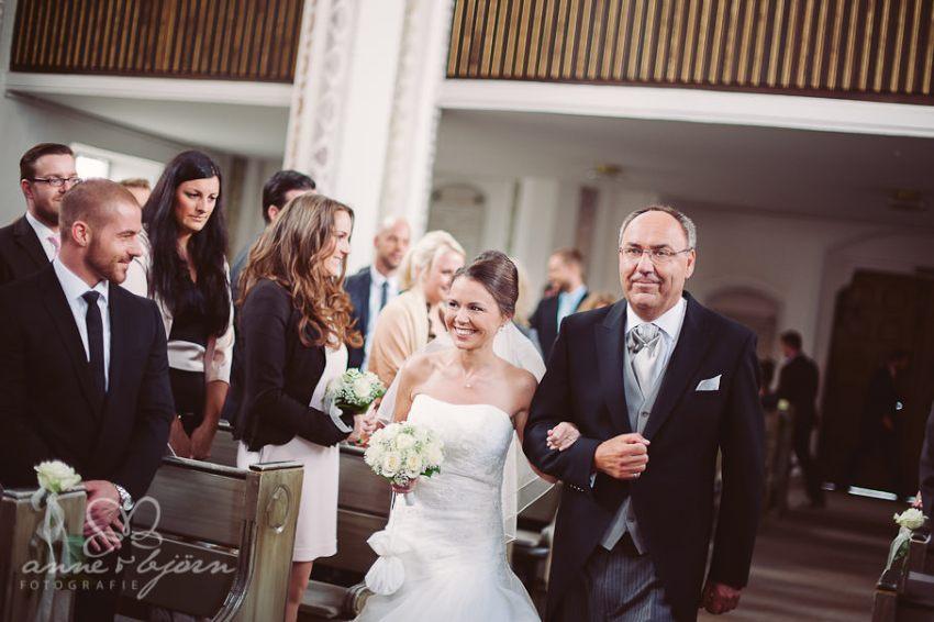 0039 mul aub 22734 bearbeitet - Melina & Lars - Hochzeit im Kieler Jachtclub