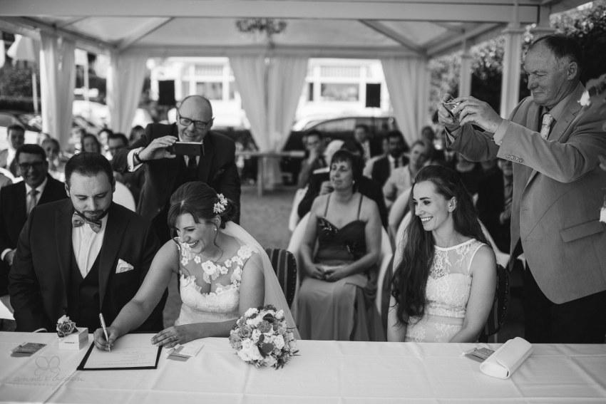 0075 jundb 811 7368 - Jagoda & Björn - Hochzeit im Strandhotel Blankenese