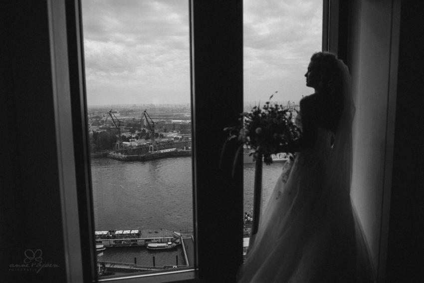 0021 dany sebastian hh d75 9065 - Bunte Hochzeit auf der Elbe - Daniela & Sebastian