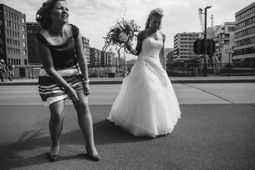 0024 dany sebastian hh d75 9372 - Bunte Hochzeit auf der Elbe - Daniela & Sebastian
