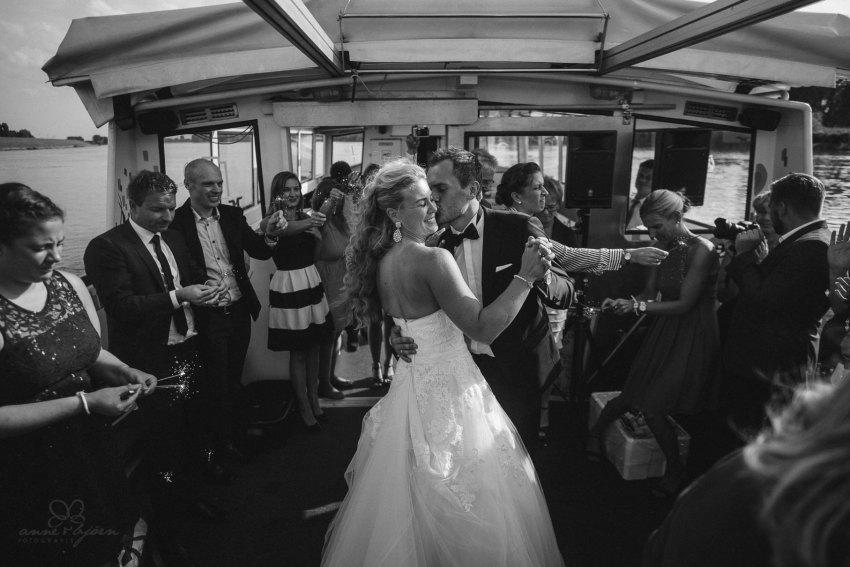 0087 dany sebastian hh d75 0517 - Bunte Hochzeit auf der Elbe - Daniela & Sebastian