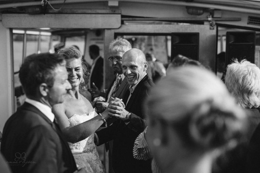 0090 dany sebastian hh d75 0573 - Bunte Hochzeit auf der Elbe - Daniela & Sebastian
