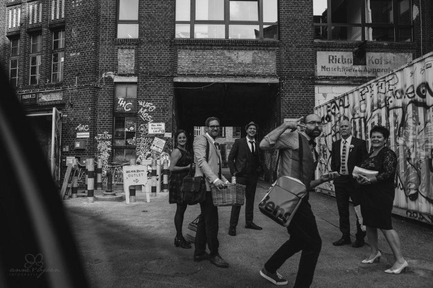 0052 sylwiaundchris d76 4069 - Bunte DIY Hochzeit in der Fabrik 23 - Berlin