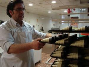 Jose Luis, Maestro pastelero de Confitería Santa Ana