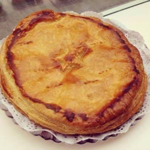 Empanada de Bacalao, especialidad de la casa.