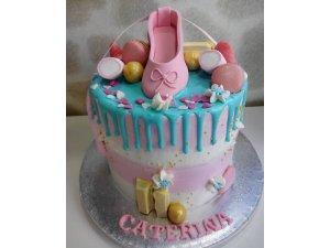 Dripcake con decoración de Fondant