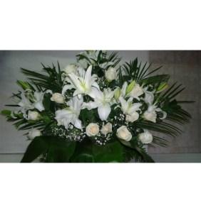Centro de Flores de tonos blancos