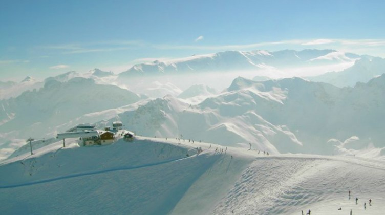 "View from Saulire peak: <a href=""http://en.wikipedia.org/wiki/Courchevel#mediaviewer/File:Saulire-2700m.jpg"" target=""_blank"">image credit</a>"