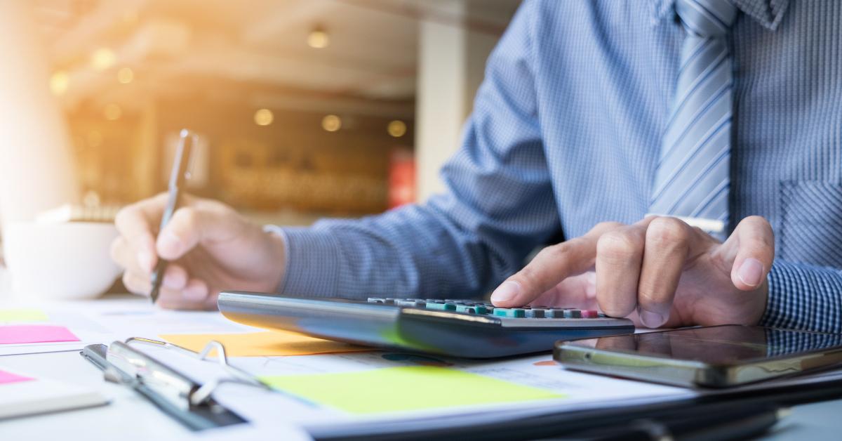 Neste conteúdo, nós listamos os 4 maiores obstáculos ao calcular gastos de viagens e lhe mostramos como transformar este controle em uma ferramenta de dados para otimizar os seus negócios.