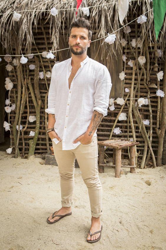 camisa-branca-masculina-reveillon-2018-calça-caqui