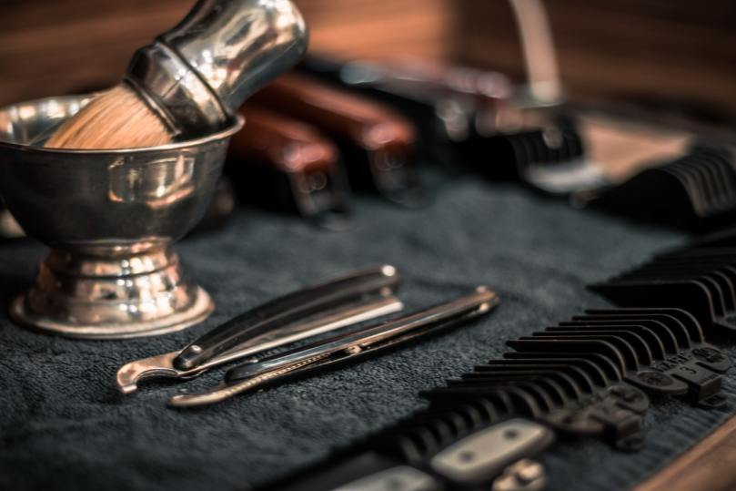 Equipment to clean salon and barbershop