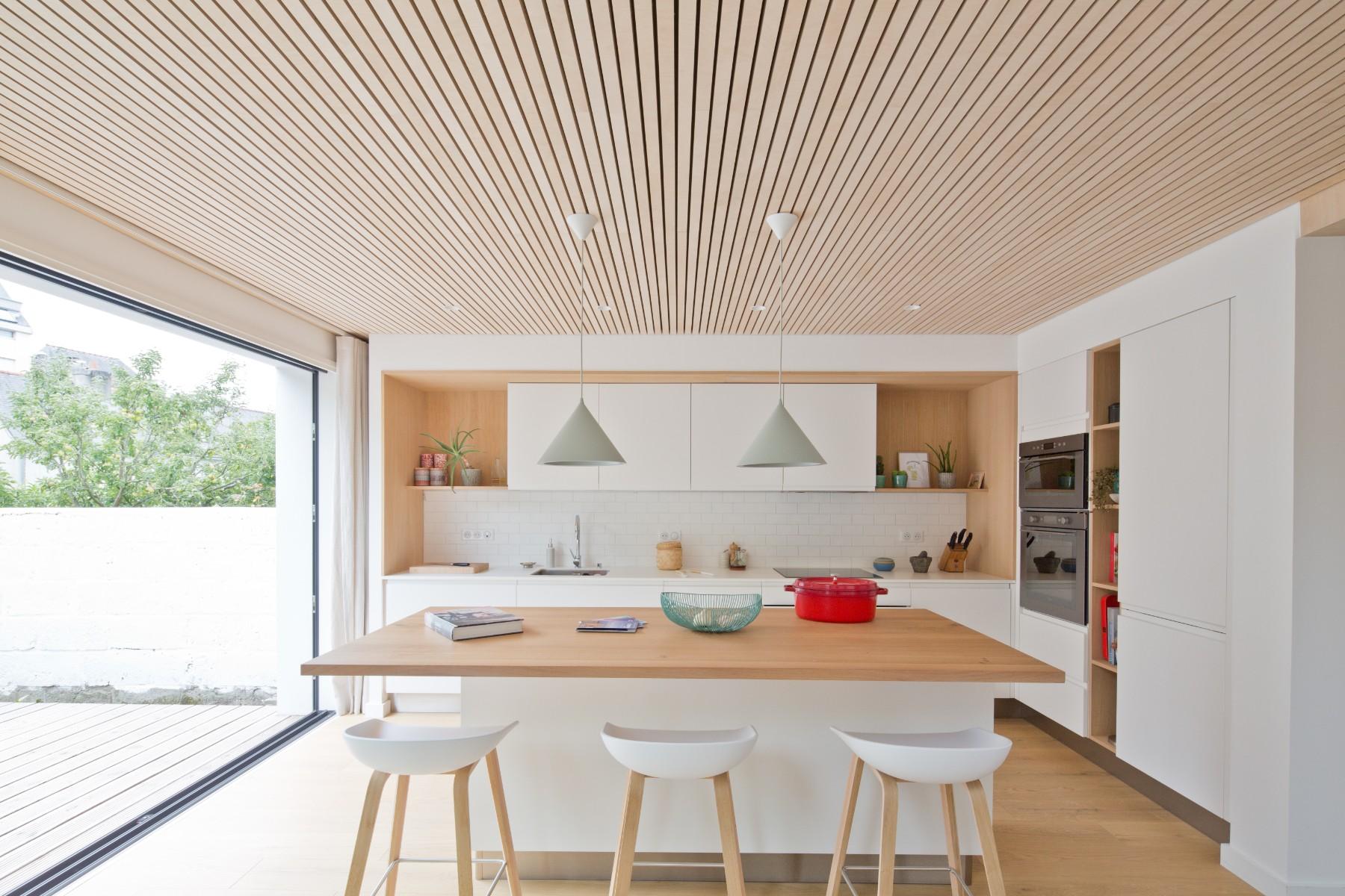 Rénovation d'une maison à Quimper par Archibien et son architecte - la cuisine