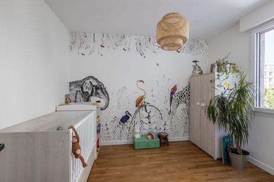 Intérieur appartement chambre enfant