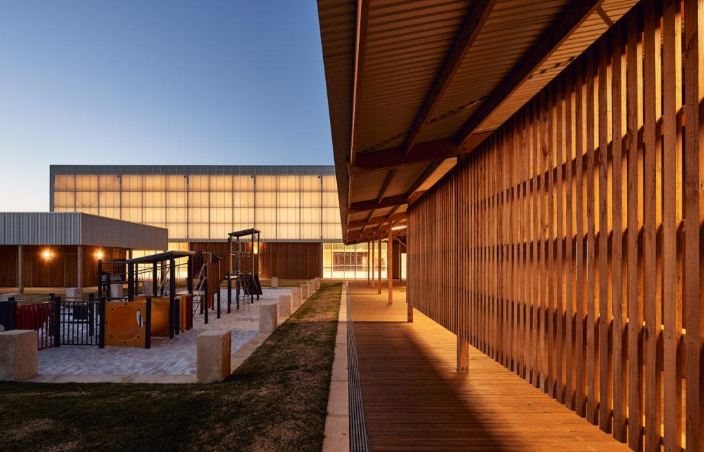 Matériel architectural Pingelly Recreation and Cultural Center par Iredale Pedersen Hook Architects avec ATC Studio, Pingelly, Australie
