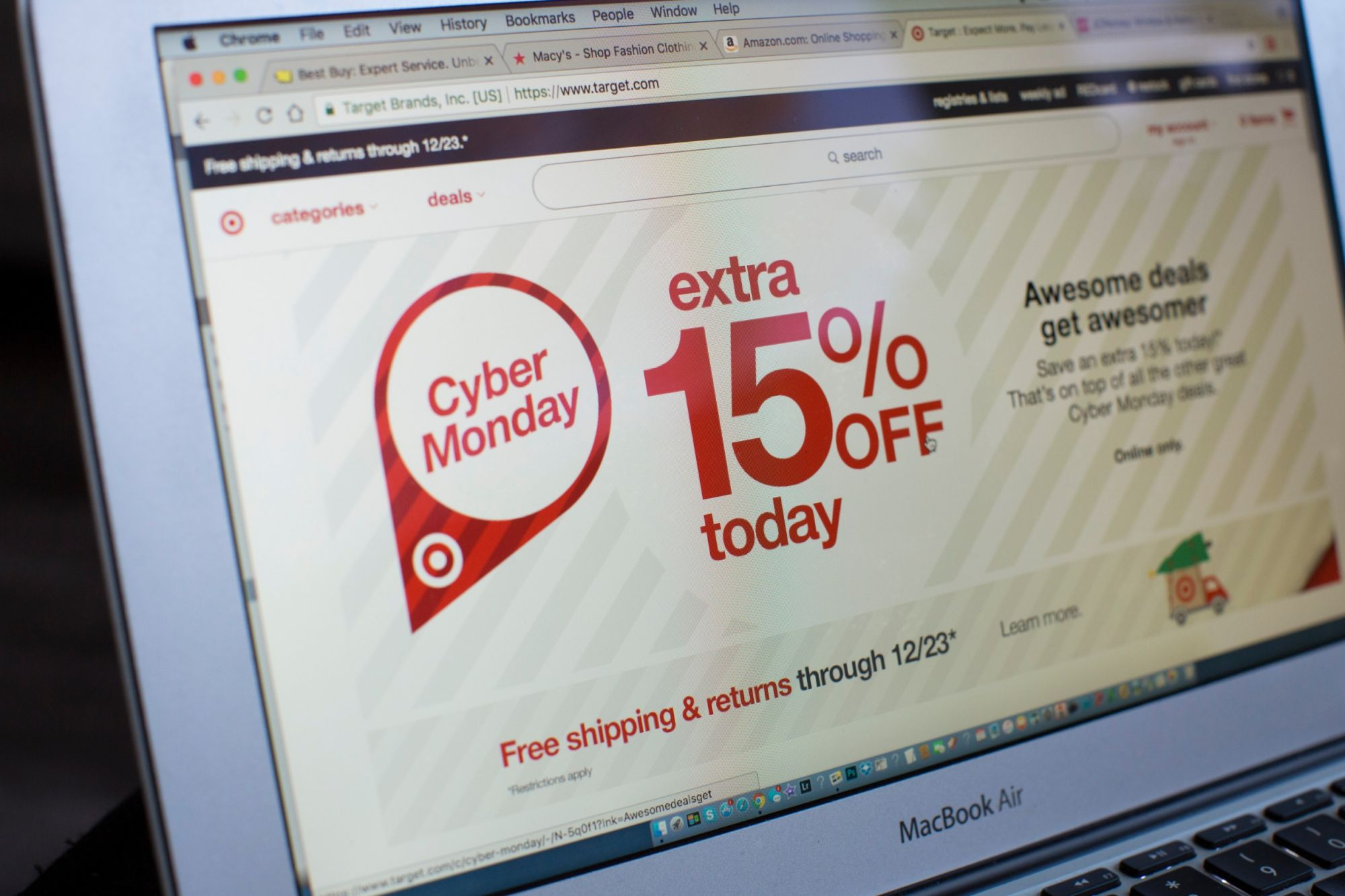 5 Tips to Boost Your Ecommerce Sales on Cyber Monday