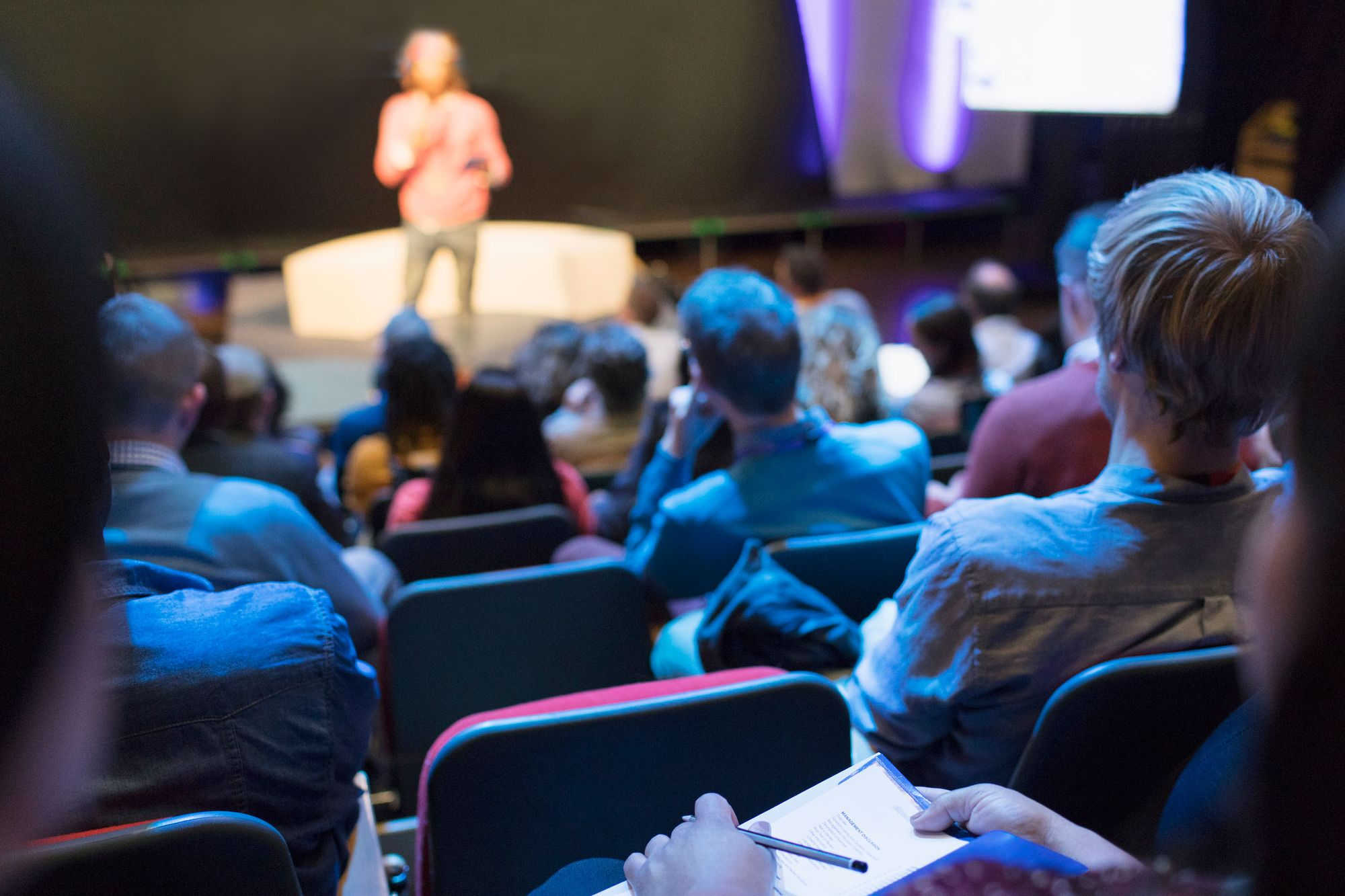 How to Run an Effective Conference: The 7 Steps You Need to Follow