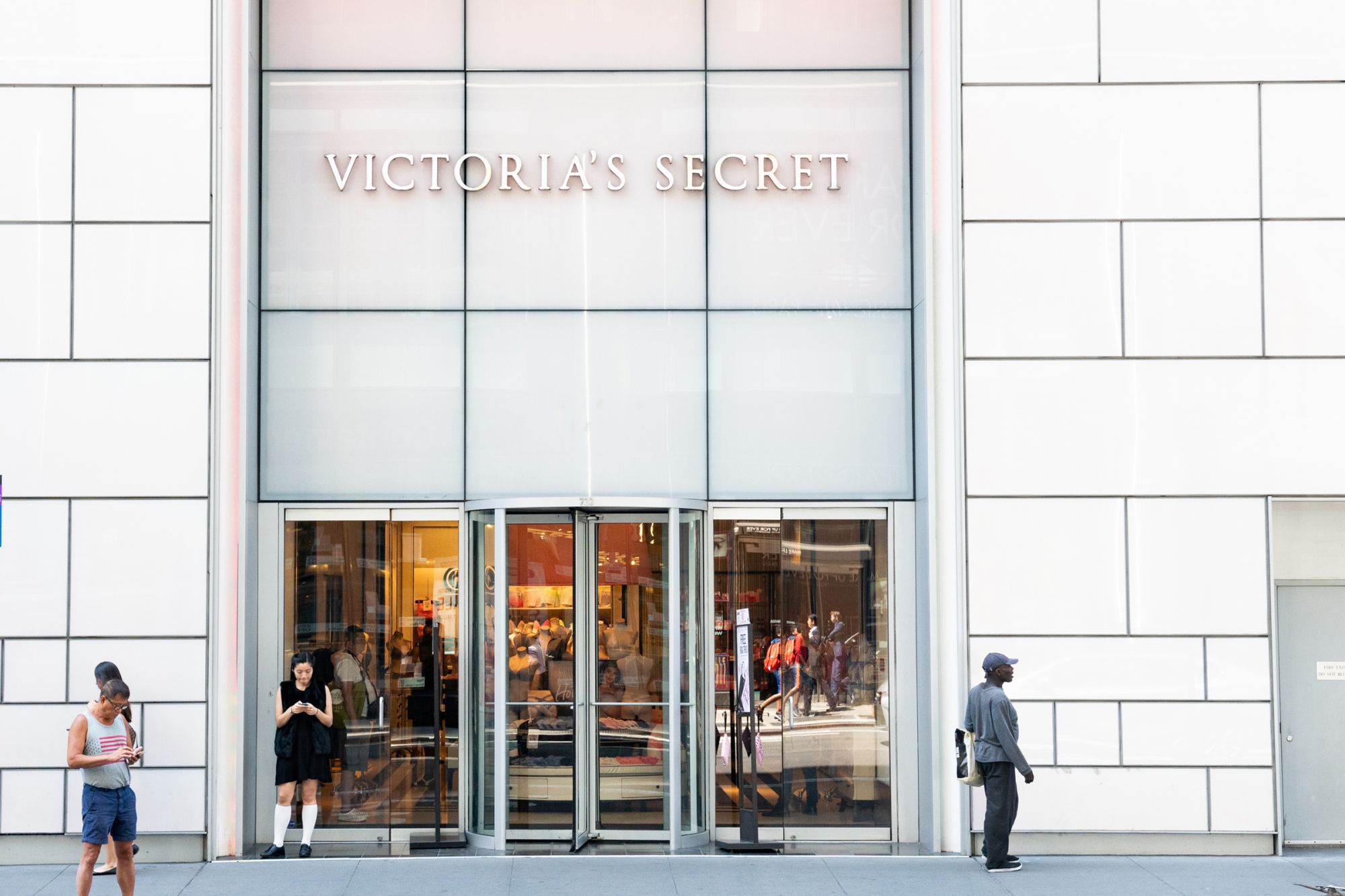 Entrepreneur Index™ and Victoria's Secret Shares Fall as Trade Concerns Affect Market