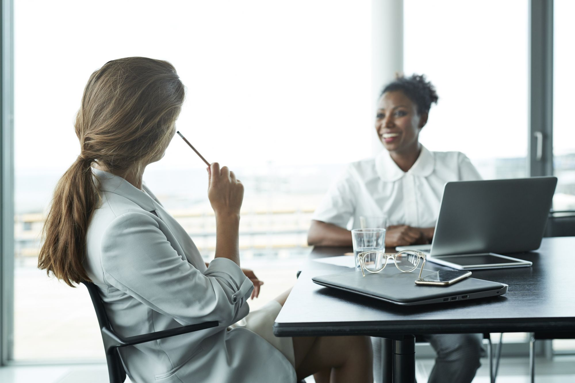How to Conduct Employee Performance Reviews That Reduce Stress