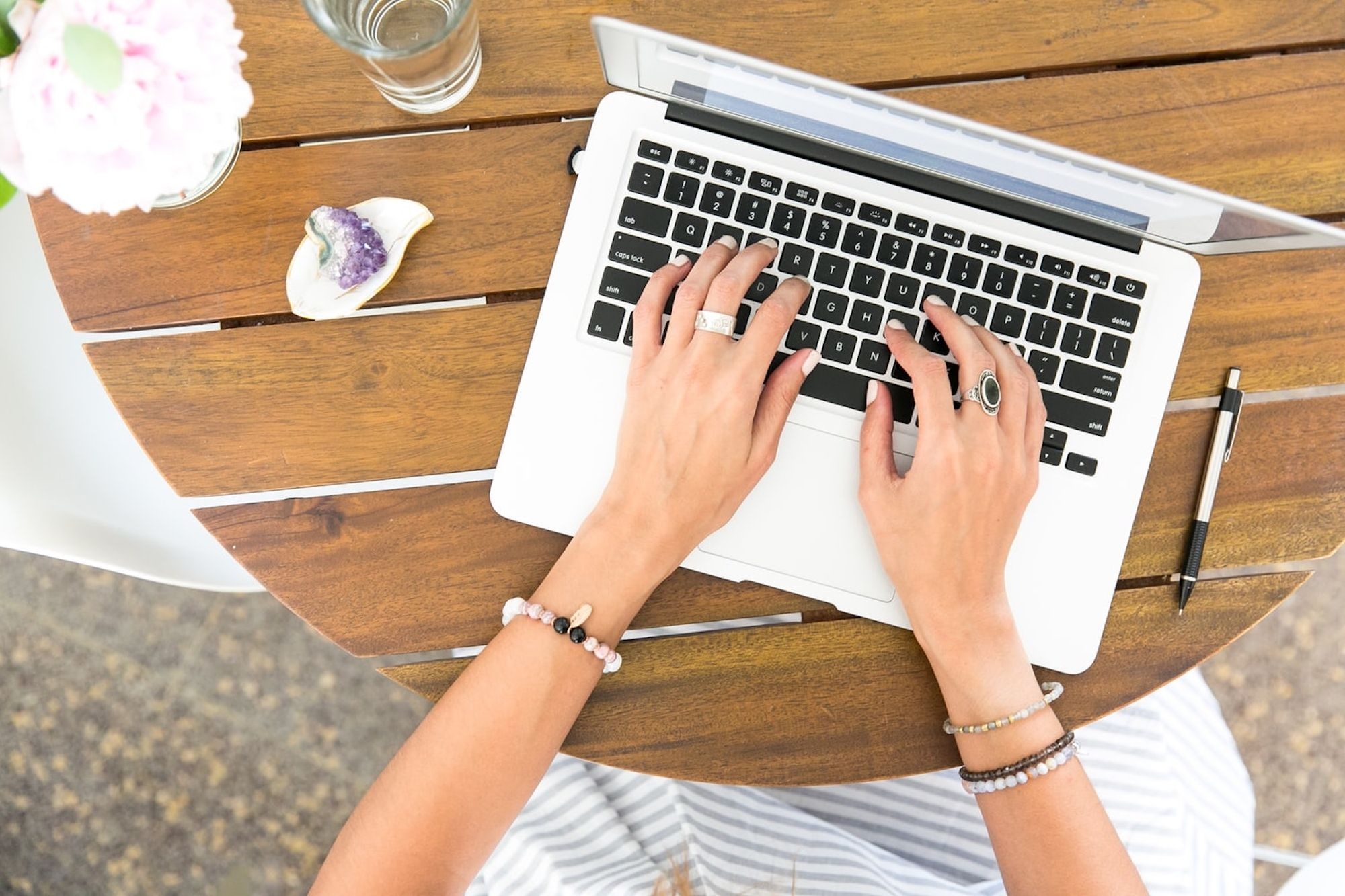 Do You Need a Virtual Assistant? This Service May the Solution You're Looking For