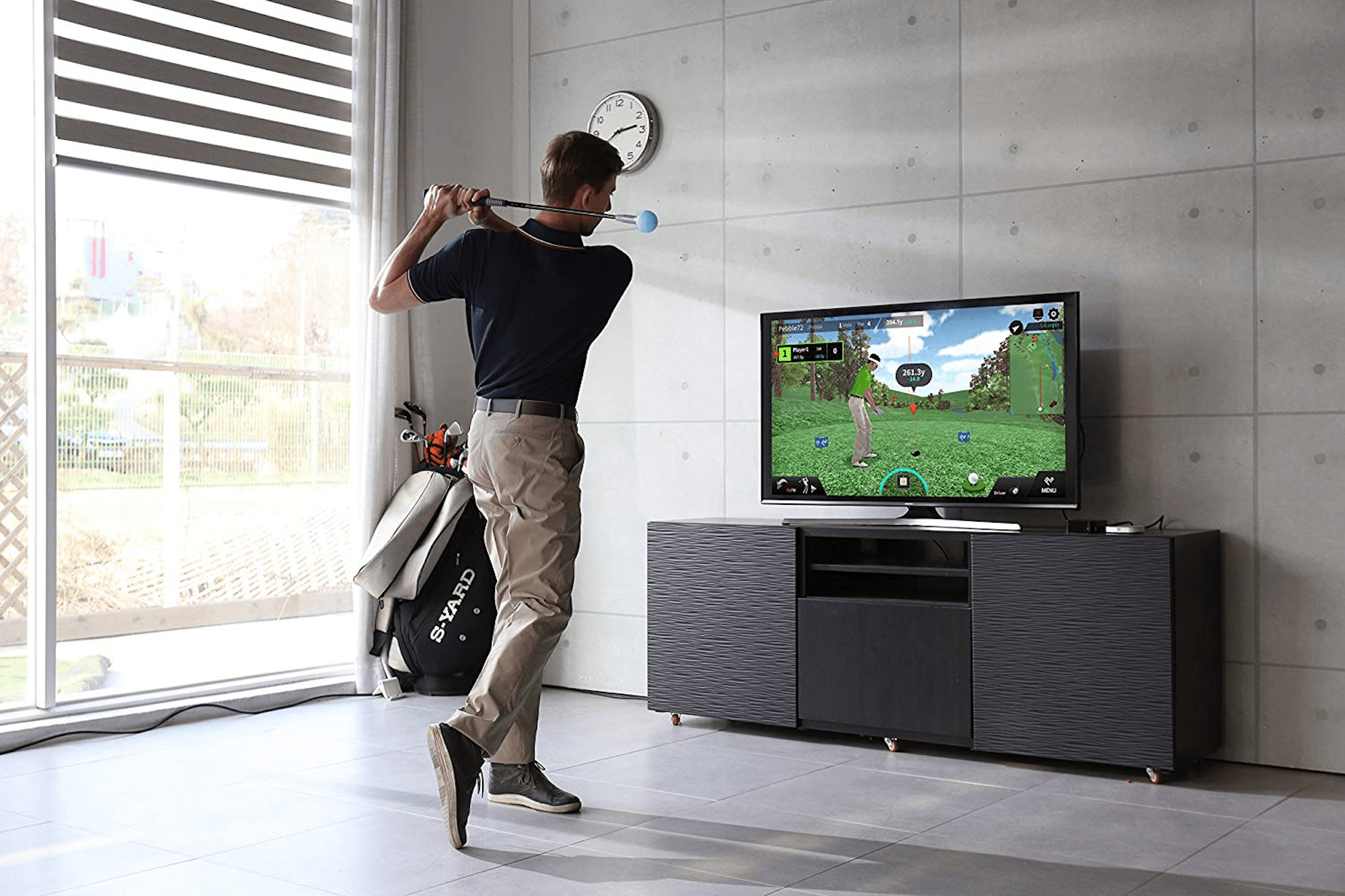 You Can Still Keep Up Your Golf Game While in Quarantine with This Simulator