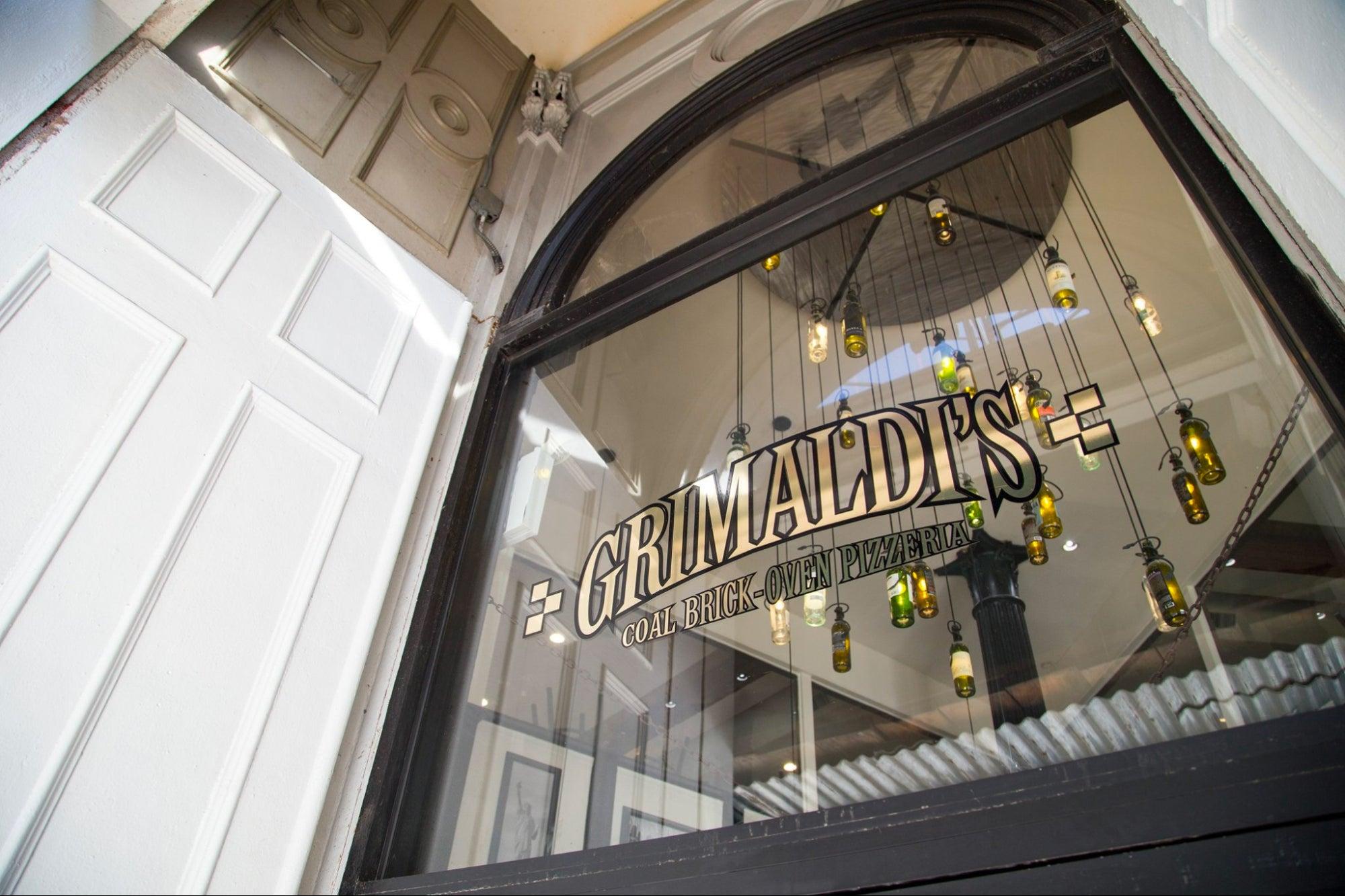 How New York's Legendary Grimaldi's Pizzeria Adapted to the Crisis