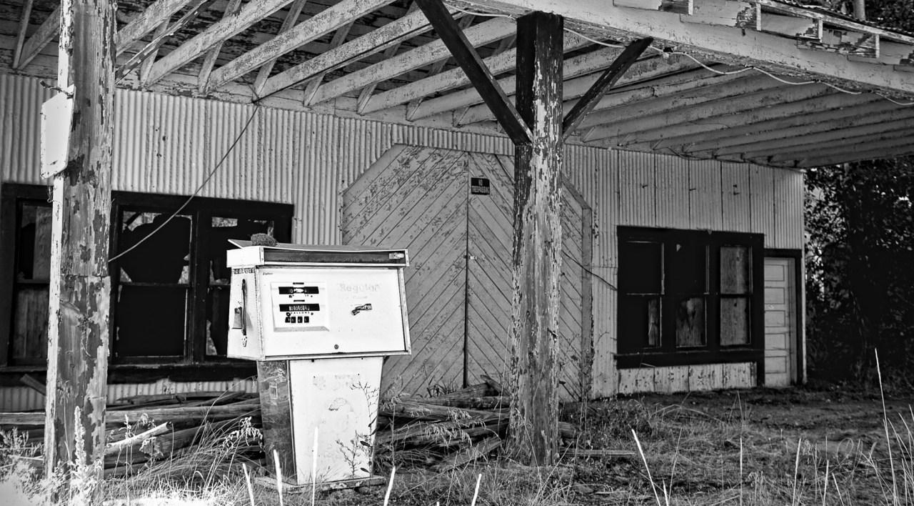 Abandoned buildings in Fort Klamath, Oregon