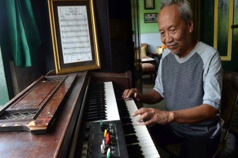 Alm. Sartono pengarang lagu Hymne Guru yang lagunya menggugah ribuan orang (artikel Menjual Lagu)