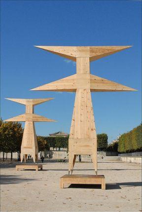 "Assan Smati, ""Dos Santos"", sculpture en sapin"