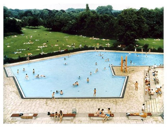Andreas Gursky, Ratingen Swimming Pool