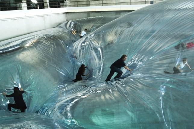 One time space foam (Tomas Saraceno)