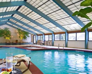 The High Peaks Resort inside pool / SPA