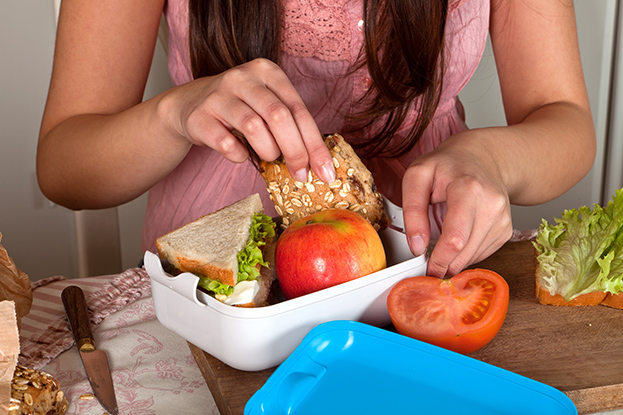 student money tips: pack your own lunch
