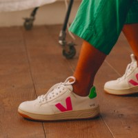 Explore Features and Reviews of Veja Sneakers and Buy Them from Zalora in Singapore