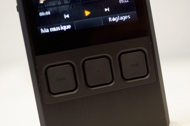 Trois boutons sur le Ibasso DX50, ni plus ni moins.
