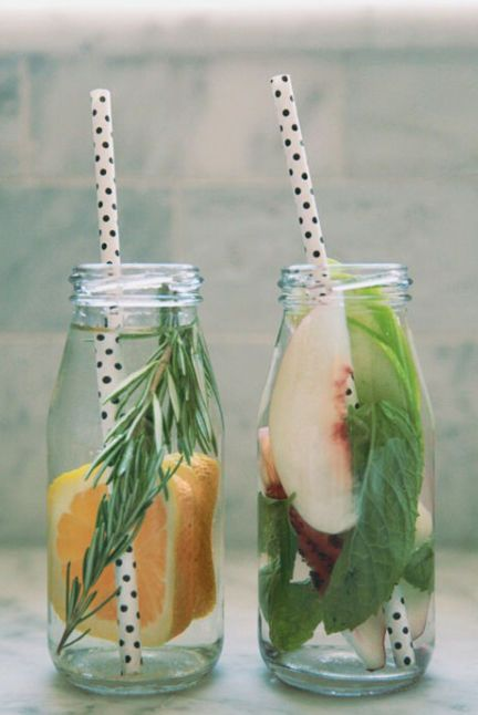 1472482538-fuit-infused-water-ideas-3-and-42-1