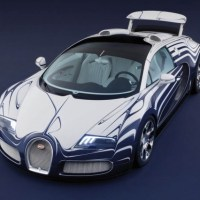 """Bugatti Veyron """"L'Or Blanc"""" : première voiture décorée de porcelaine"""