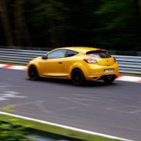 Exclu vidéo : une Megane III RS est déjà sous les 8 minutes au Nurburgring...