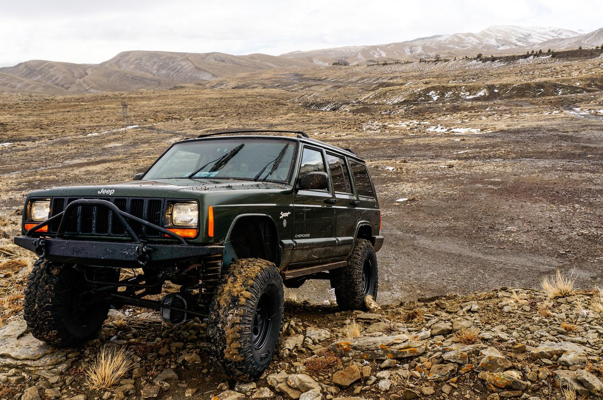 hight resolution of jeep inline 6 engine