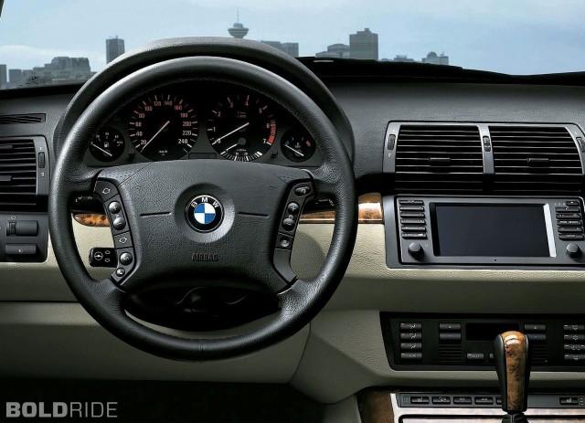 2004 BMW X5 interior forward view