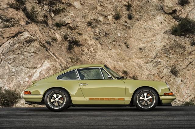 Porsche 911 modified by Singer