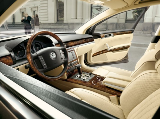 2006 VW Phaeton interior
